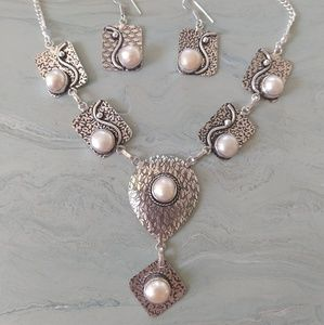 Jewelry - Gorgeous pearl engraved set stamped 925